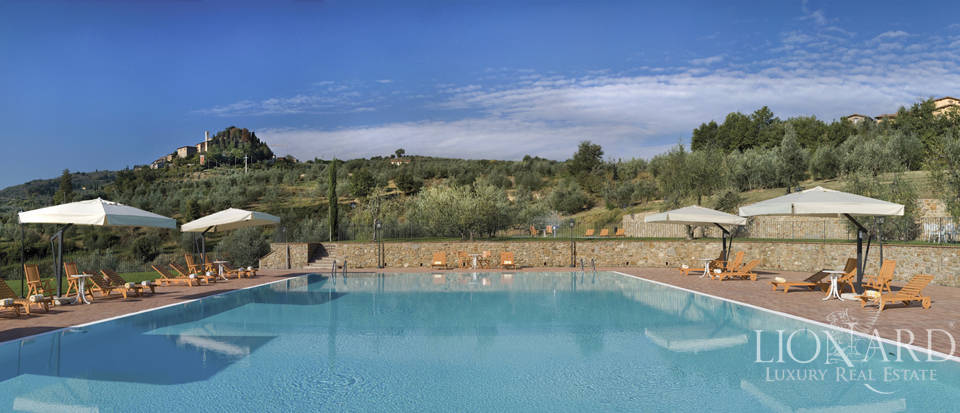 Luxury complex for sale near Arezzo Image 12