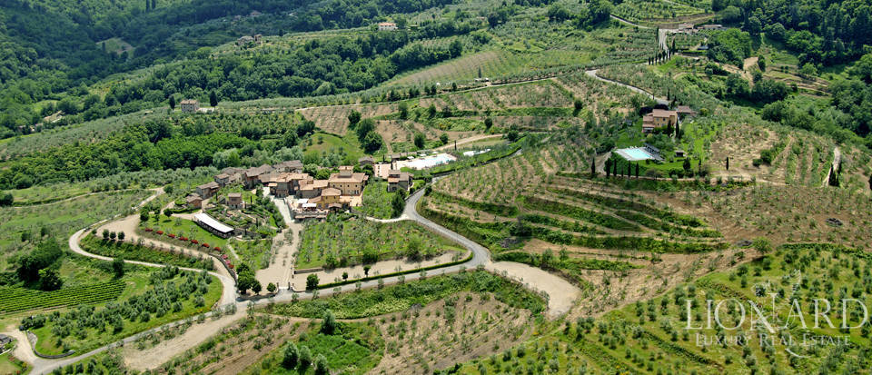 Luxury complex for sale near Arezzo Image 76