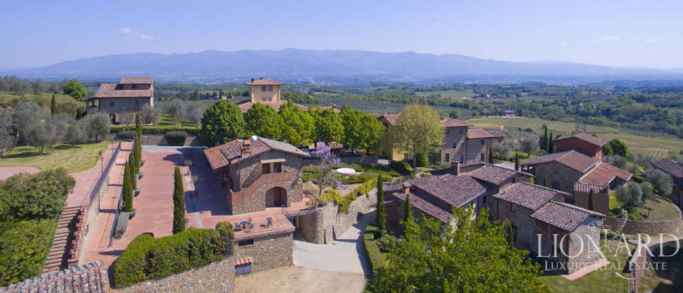 Luxury complex for sale near Arezzo Image 5