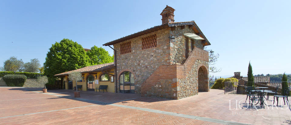 Luxury complex for sale near Arezzo Image 14