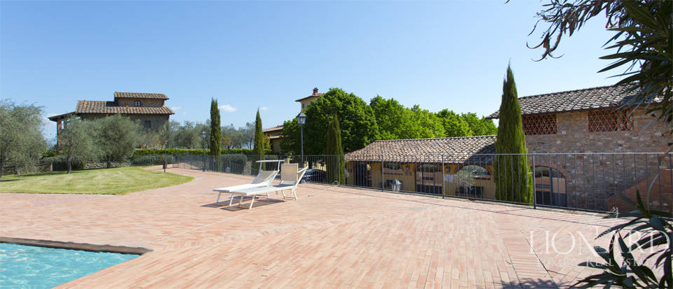Luxury complex for sale near Arezzo Image 16