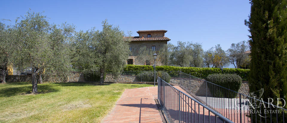 Luxury complex for sale near Arezzo Image 18
