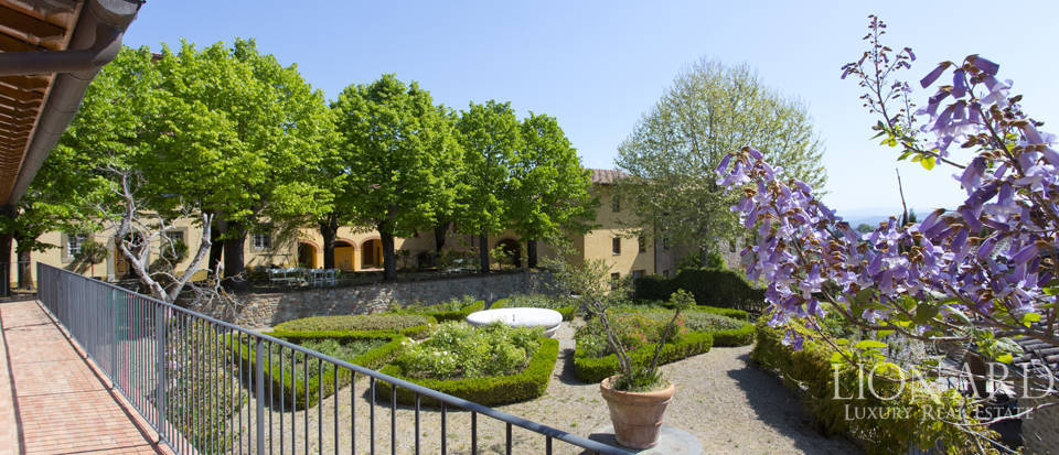 Luxury complex for sale near Arezzo Image 20