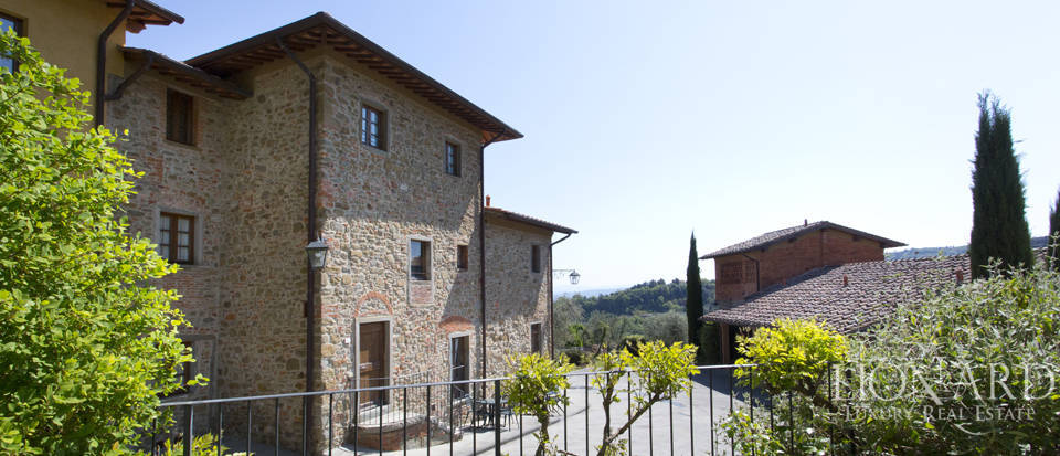 Luxury complex for sale near Arezzo Image 10