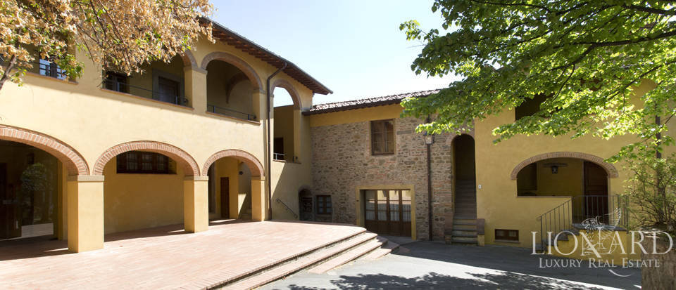 Luxury complex for sale near Arezzo Image 9