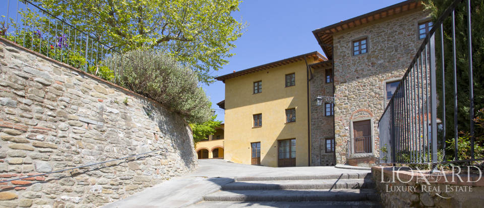 Luxury complex for sale near Arezzo Image 29
