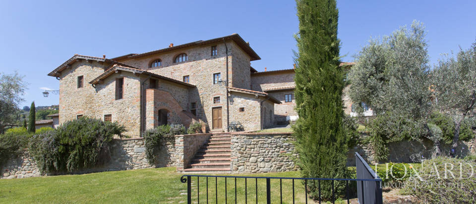 Luxury complex for sale near Arezzo Image 8