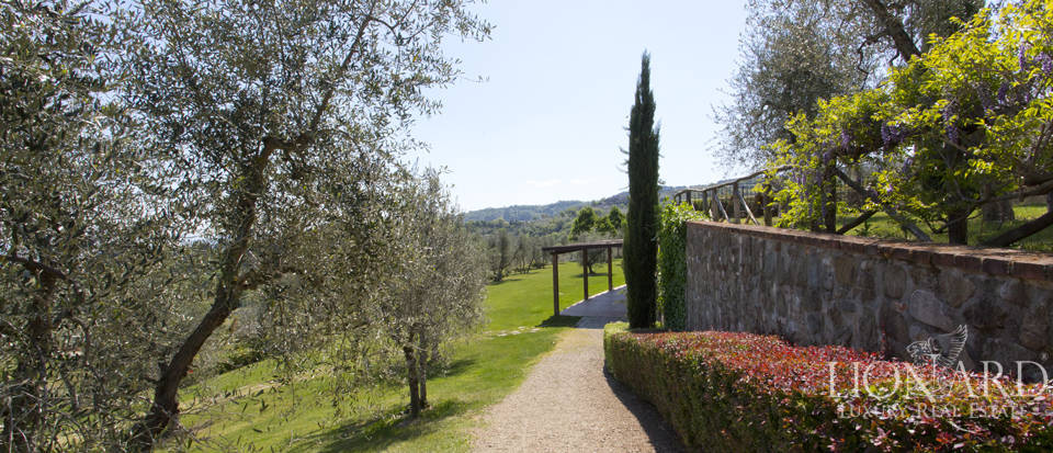 Luxury complex for sale near Arezzo Image 33