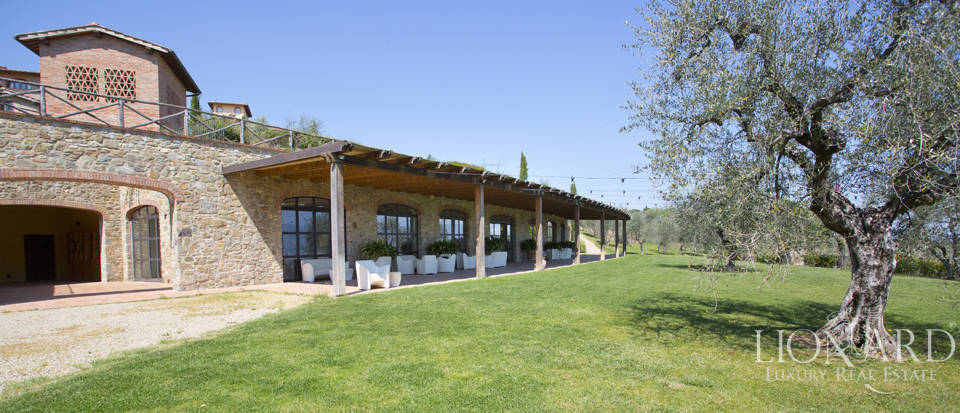 Luxury complex for sale near Arezzo Image 6