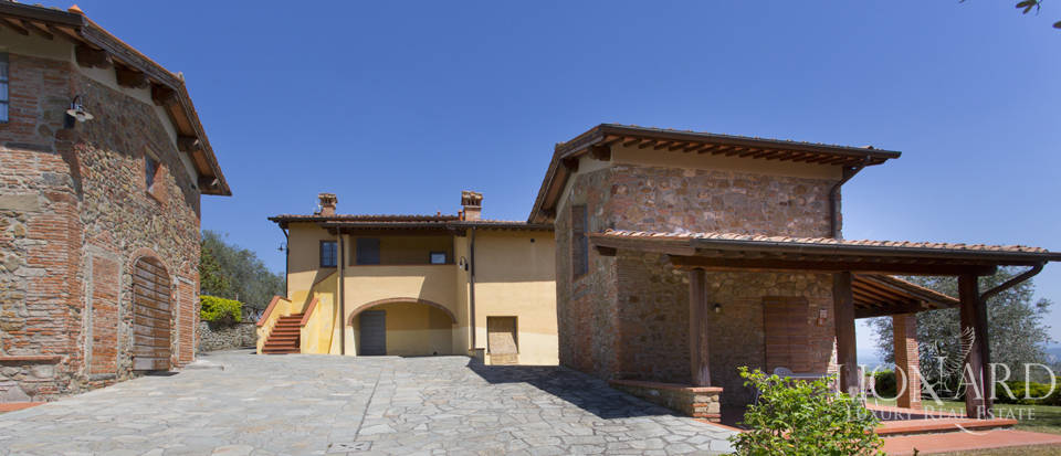Luxury complex for sale near Arezzo Image 37