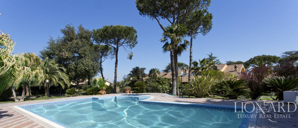 Luxury villa for sale in Rome Image 3