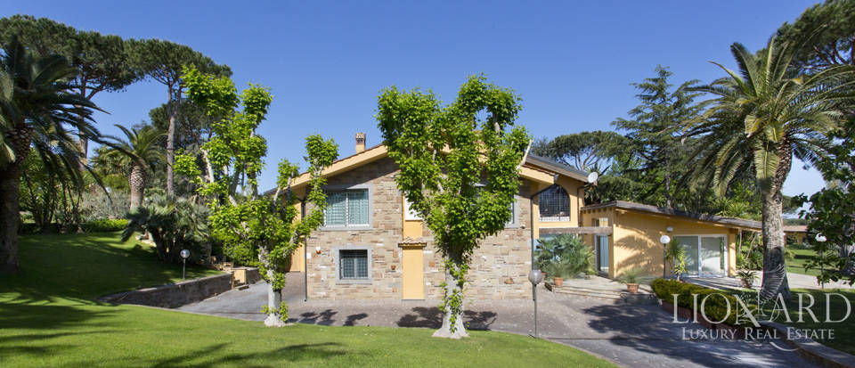 Luxury villa for sale in Rome Image 7