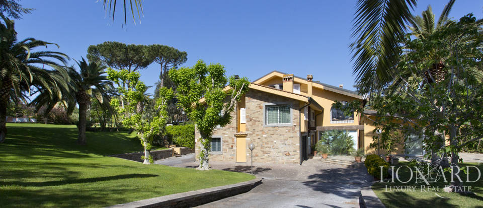 Luxury villa for sale in Rome Image 8