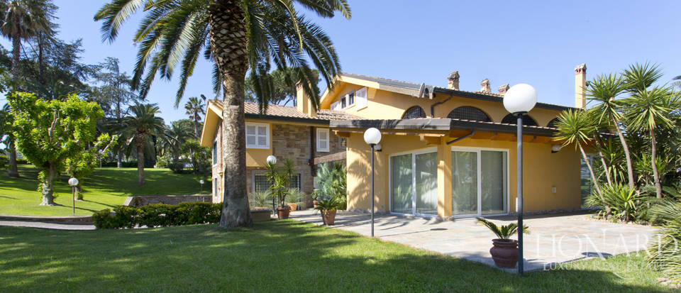Luxury villa for sale in Rome Image 10