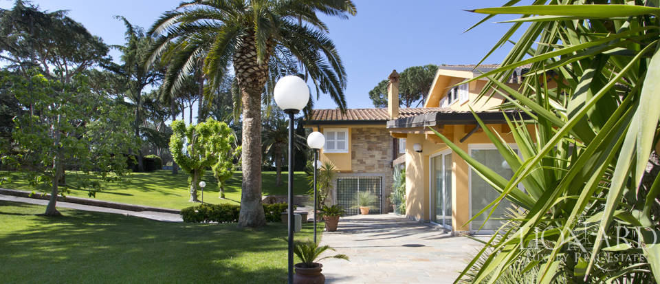 Luxury villa for sale in Rome Image 11