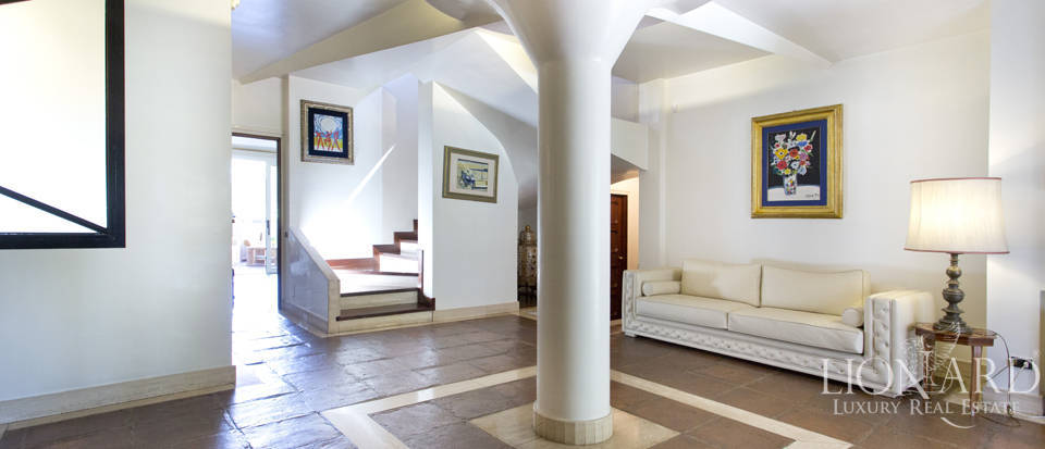 Luxury villa for sale in Rome Image 35