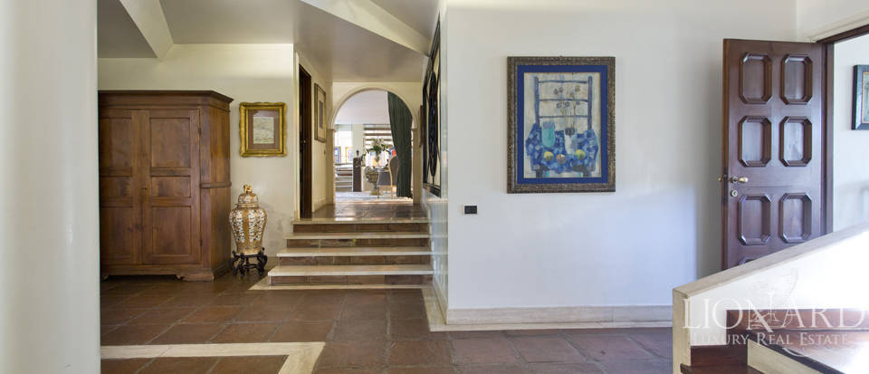 Luxury villa for sale in Rome Image 37