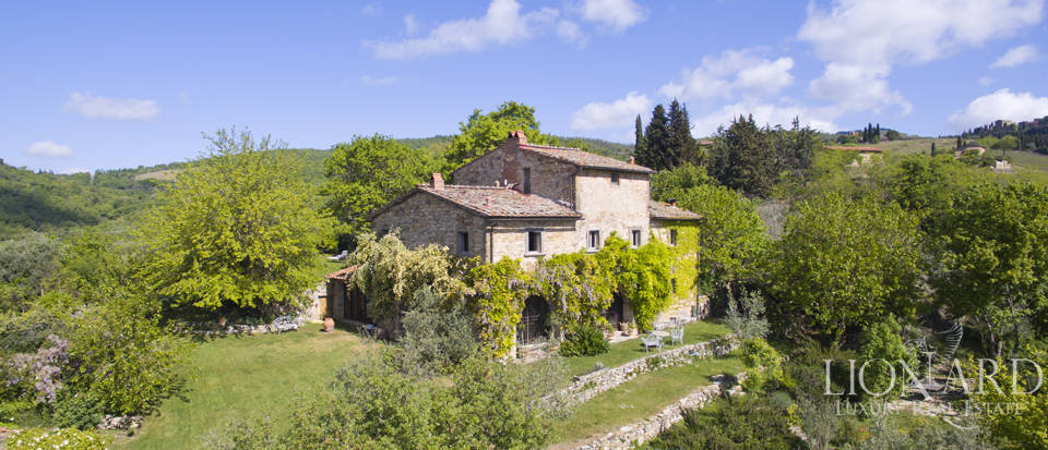 Tuscan farmhouse for sale near Siena Image 3