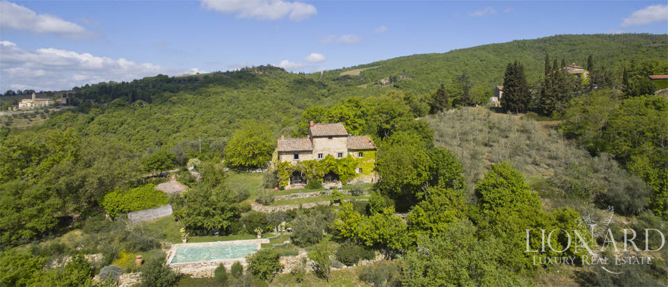 Tuscan farmhouse for sale near Siena Image 4