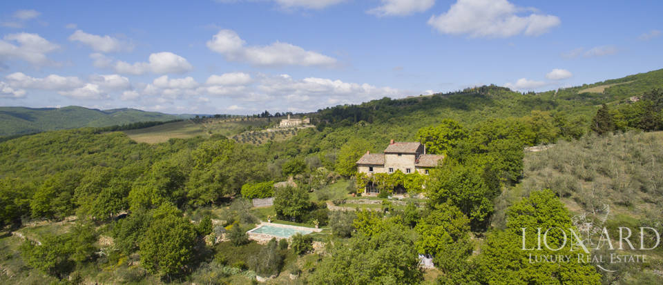 Tuscan farmhouse for sale near Siena Image 5