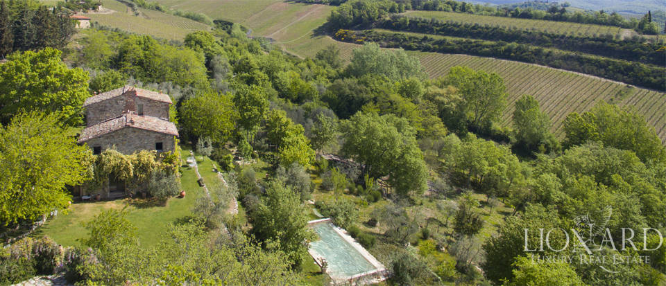 Tuscan farmhouse for sale near Siena Image 8