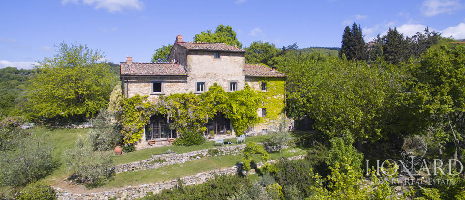 Tuscan farmhouse for sale near Siena Image 10