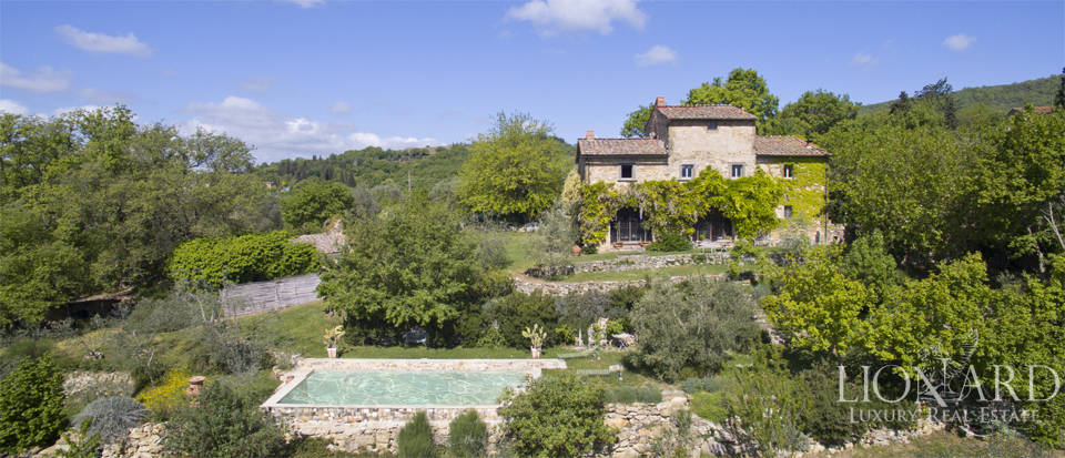 Tuscan farmhouse for sale near Siena Image 11