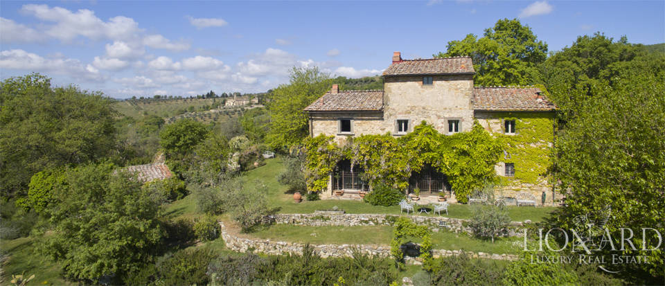 Tuscan farmhouse for sale near Siena Image 12