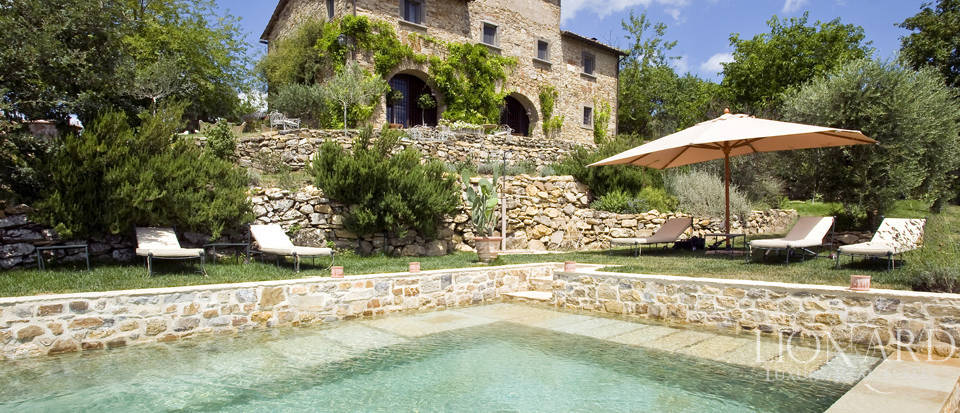 Tuscan farmhouse for sale near Siena Image 15