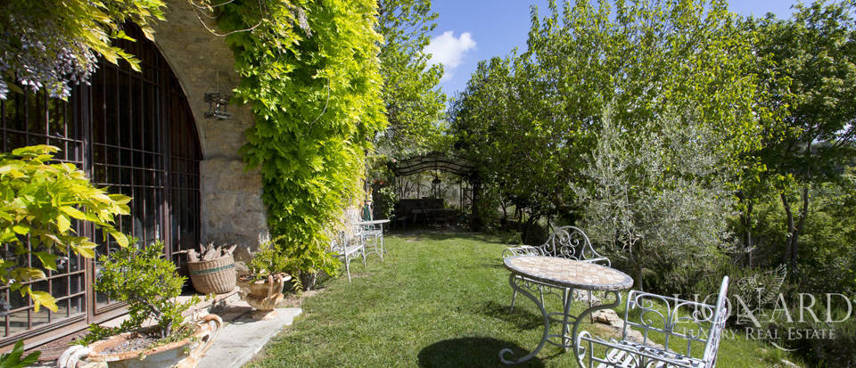 Tuscan farmhouse for sale near Siena Image 21