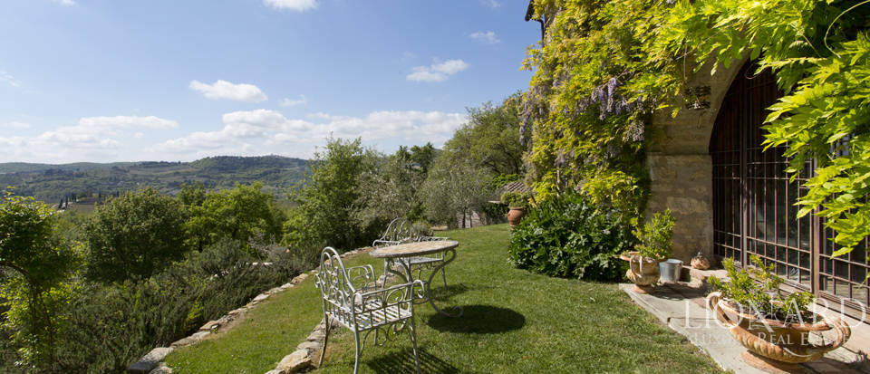 Tuscan farmhouse for sale near Siena Image 23