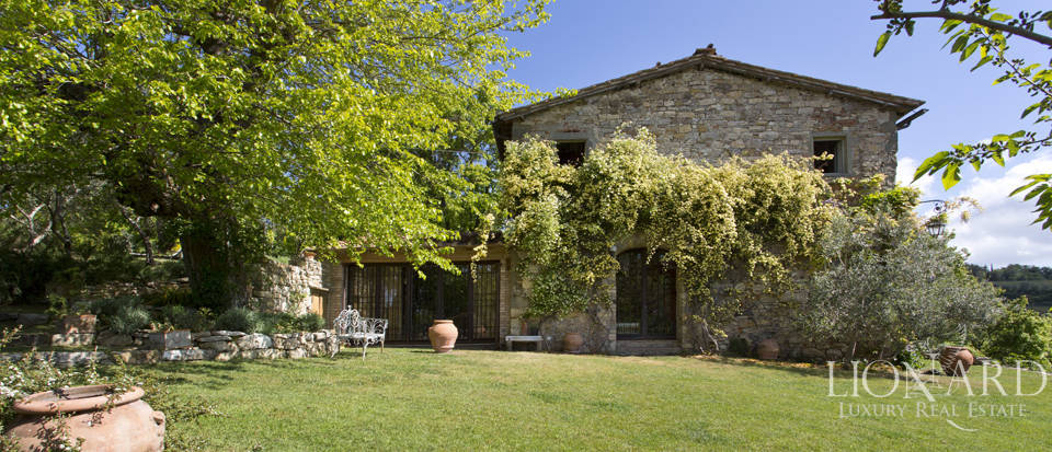 Tuscan farmhouse for sale near Siena Image 24