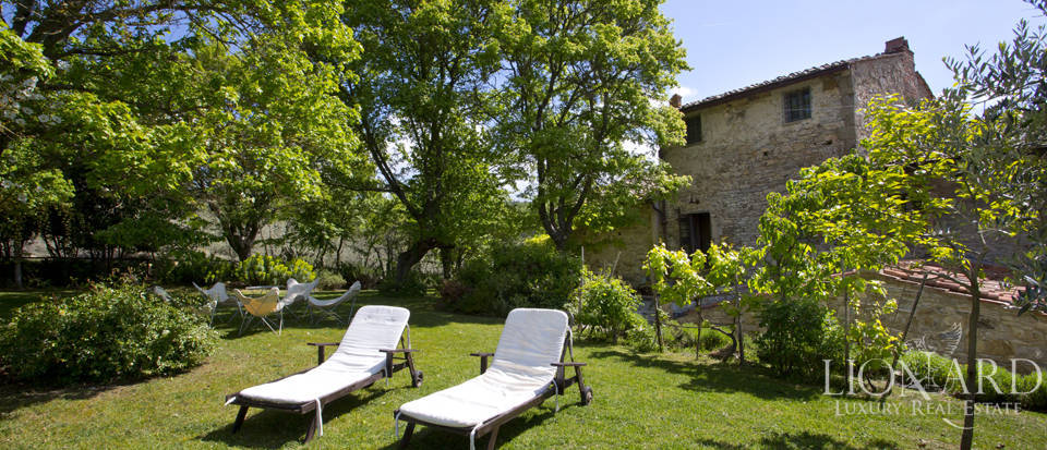 Tuscan farmhouse for sale near Siena Image 26