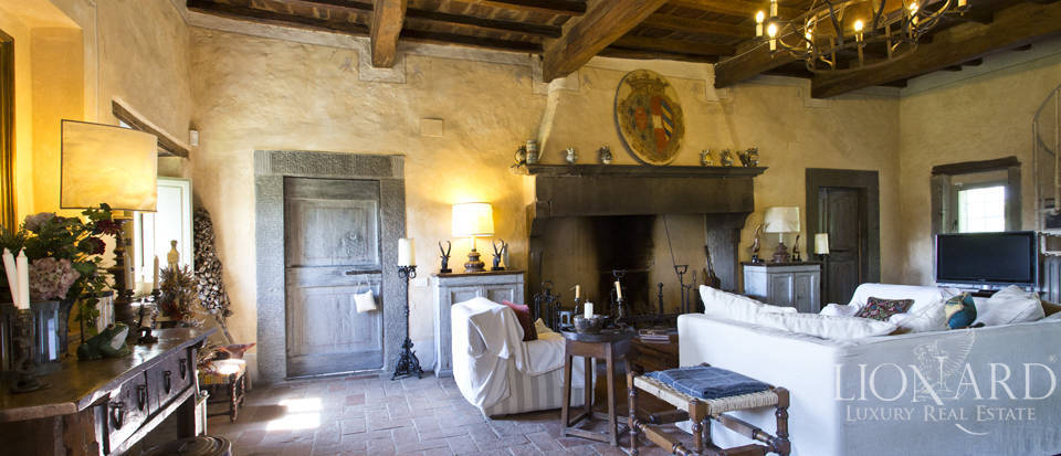 Tuscan farmhouse for sale near Siena Image 31