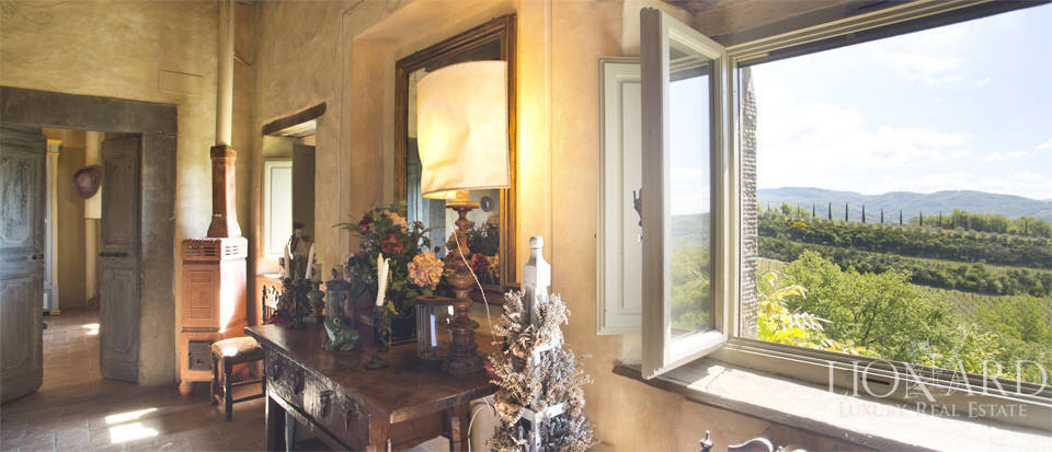 Tuscan farmhouse for sale near Siena Image 33