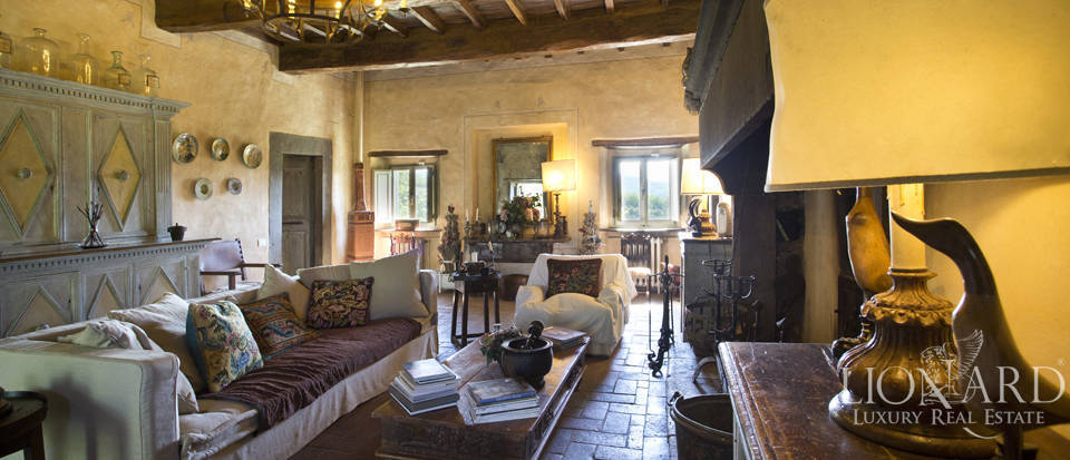 Tuscan farmhouse for sale near Siena Image 29