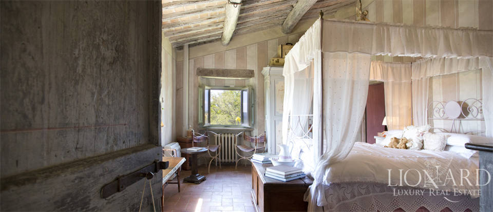 Tuscan farmhouse for sale near Siena Image 49