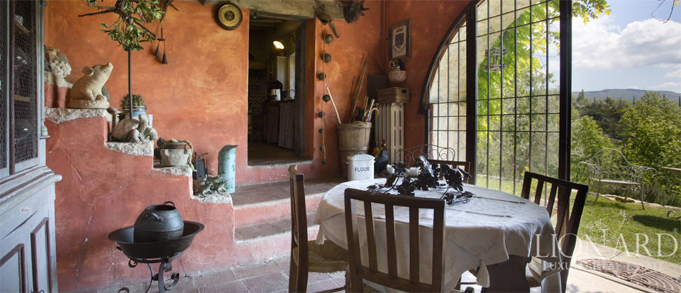 Tuscan farmhouse for sale near Siena Image 36