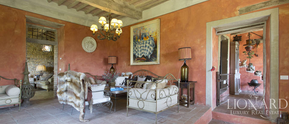 Tuscan farmhouse for sale near Siena Image 39