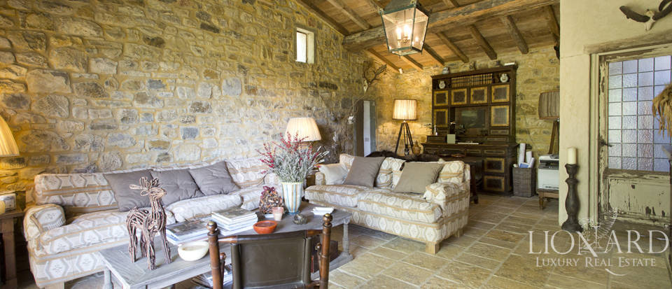 Tuscan farmhouse for sale near Siena Image 44