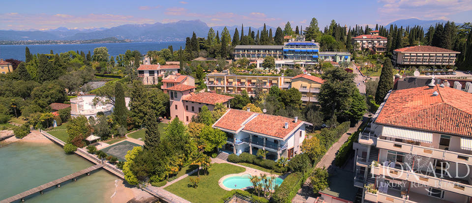 luxury villa for sale in sirmione