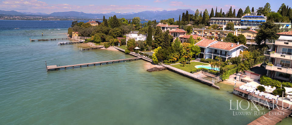 Eclusive property for sale in Sirmione Image 28