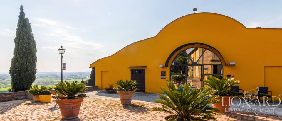 Prestigious estate for sale in Tuscany Image 10