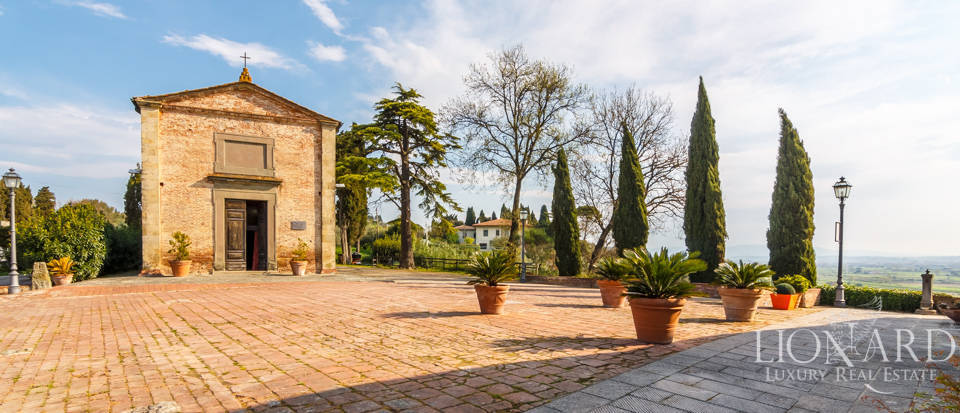 Prestigious estate for sale in Tuscany Image 12