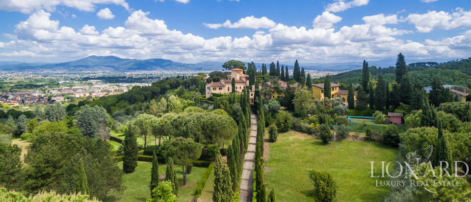 Refined estate for sale in Tuscany Image 45