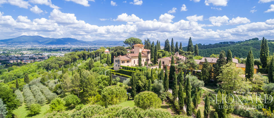 Refined estate for sale in Tuscany Image 46