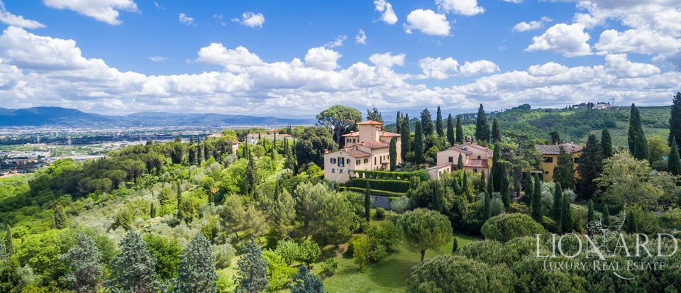 Refined estate for sale in Tuscany Image 47