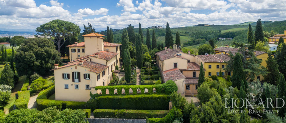 Refined estate for sale in Tuscany Image 49