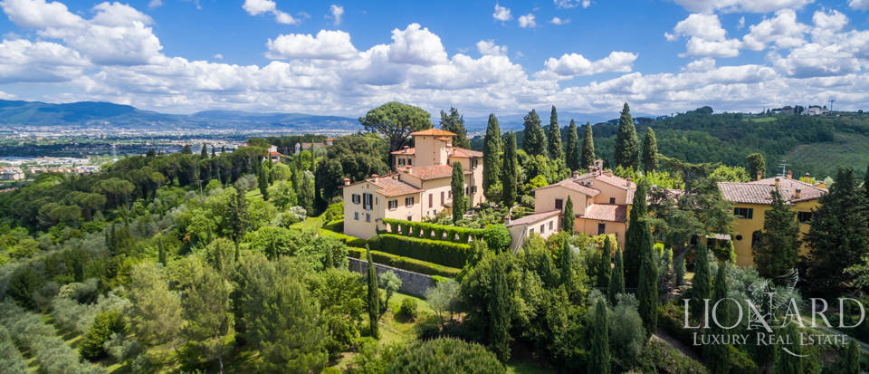 Refined estate for sale in Tuscany Image 50