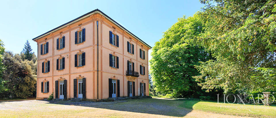 charming 19th century estate in varese